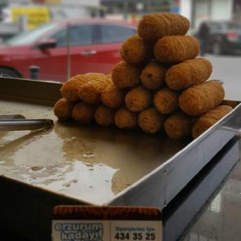 Cağ Kebap Salonlarının Erzurum Kadayıf Dolma Tatlısı taleplerine günlük teslimat